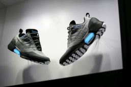 nike-presente-sa-chaussure-autolacante