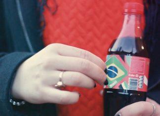 coca-cola-patch-zika-bresil-etudiants-1-324x235
