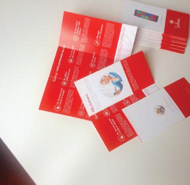 sidonie-smartphone-trifold-brochure