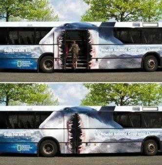 bus-requin-guerilla-street-marketing-blog