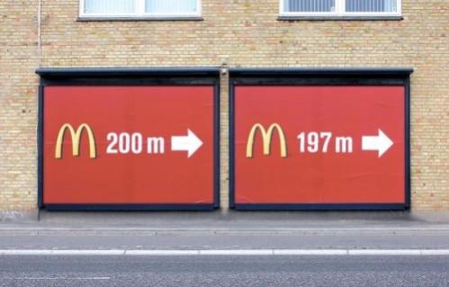 mcdonalds-affiche-geante-rouge