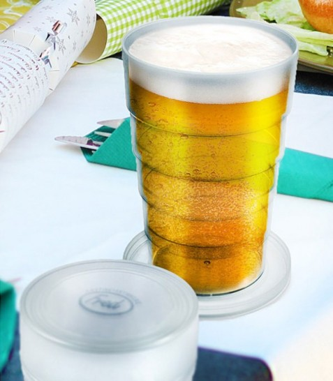 Fred-and-Friends-Port-a-Pint-Folding-Beer-Glass-Dad-Gift-Idea-590x676