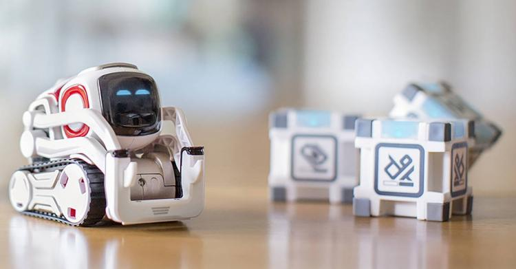 cozmo-robot-3351